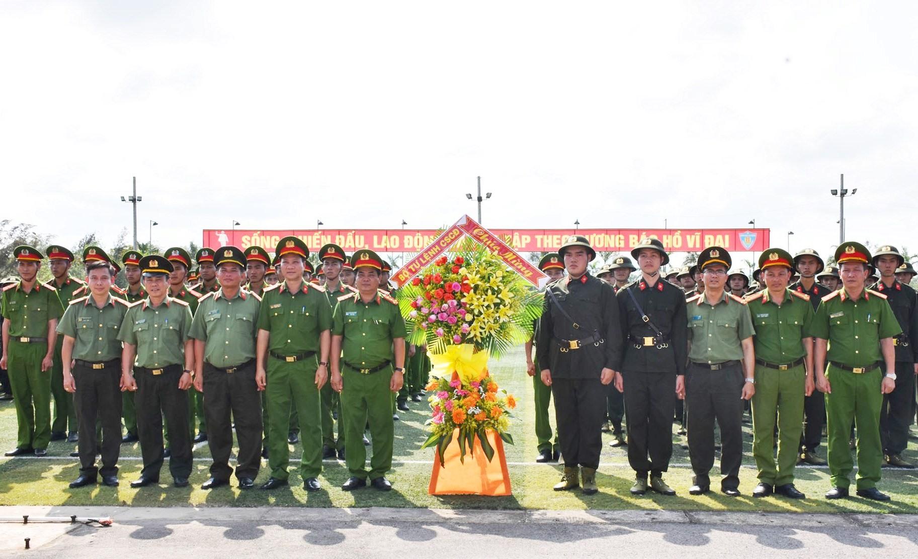 85 chiến sĩ mới tham gia khóa huấn luyện tại Trung đoàn CSCĐ Trung Bộ. Ảnh: M.T