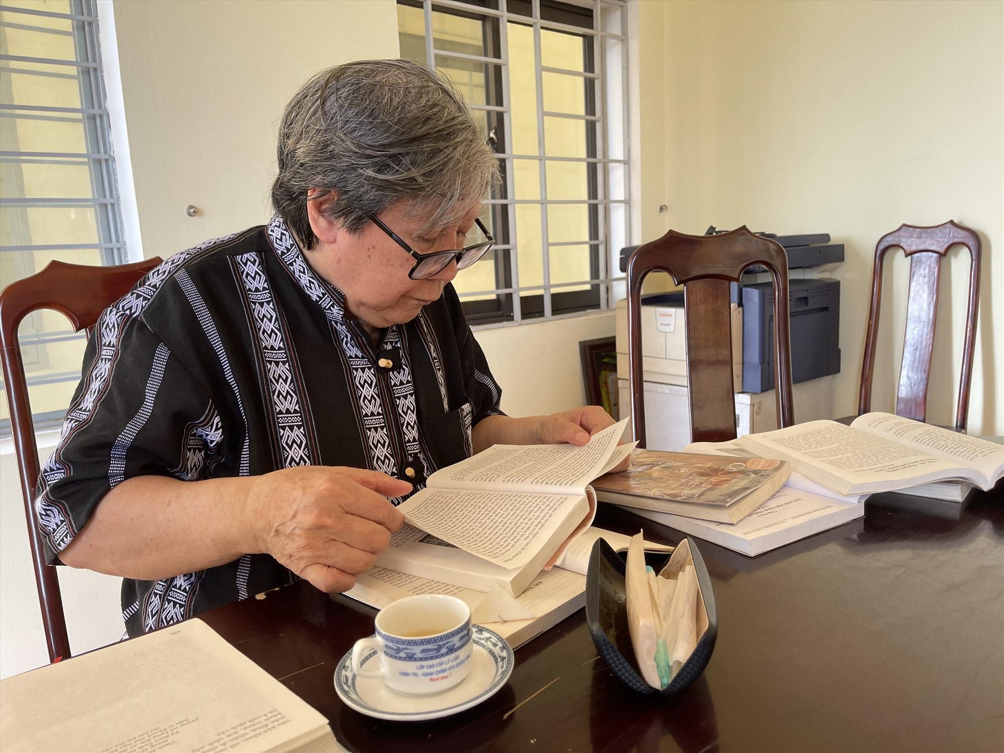 Giáo sư Sử học Lê Văn Lan rất yêu quý mãnh đất, con người Quảng Nam và luôn tâm huyết, nghiên cứu để tham gia cố vấn nội dung lịch sử cho Lễ kỷ niệm 550 năm Danh xưng Quảng Nam.