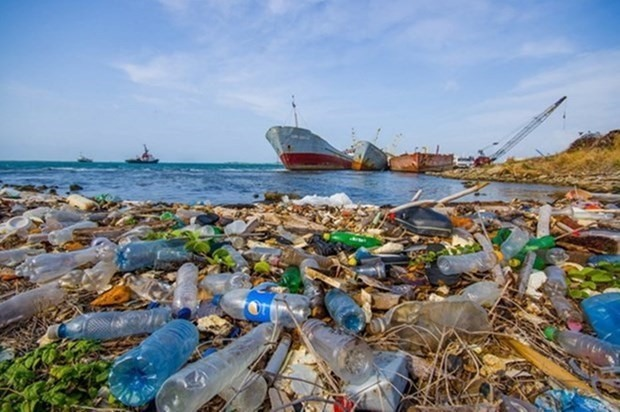 Project launched to further reduce marine plastic waste. - Illustrative image (Photo: VNA)