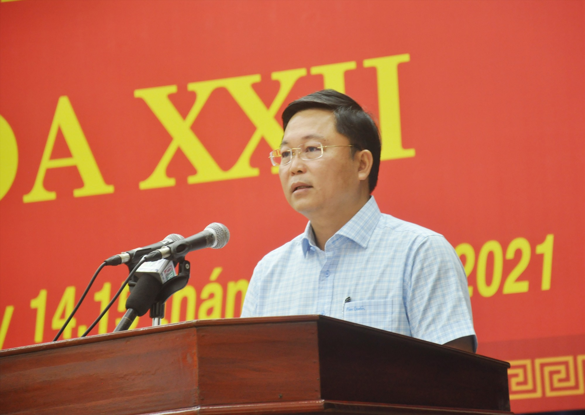 Phó Bí thư Tỉnh ủy, Chủ tịch UBND tỉnh Lê Trí Thanh tiếp thu các ý kiến thảo luận và trao đổi làm rõ thêm các vấn đề được đại biểu nêu ra tại các phiên thảo luận. Ảnh: N.Đ
