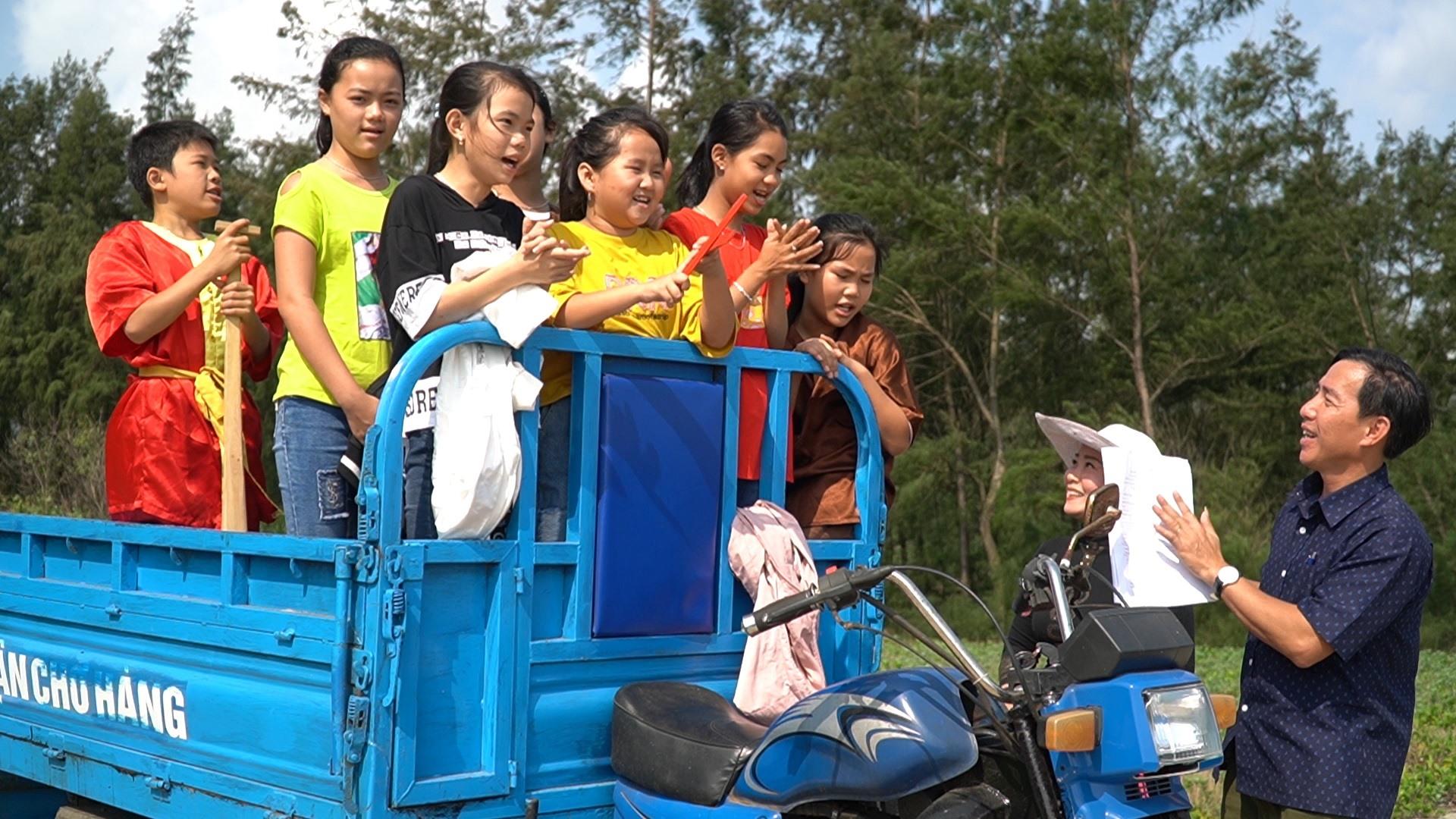 Các thành viên nhí CLB Dân ca bài chòi thôn Hòa Thượng, xã Tam Thanh. Ảnh: Đ.T