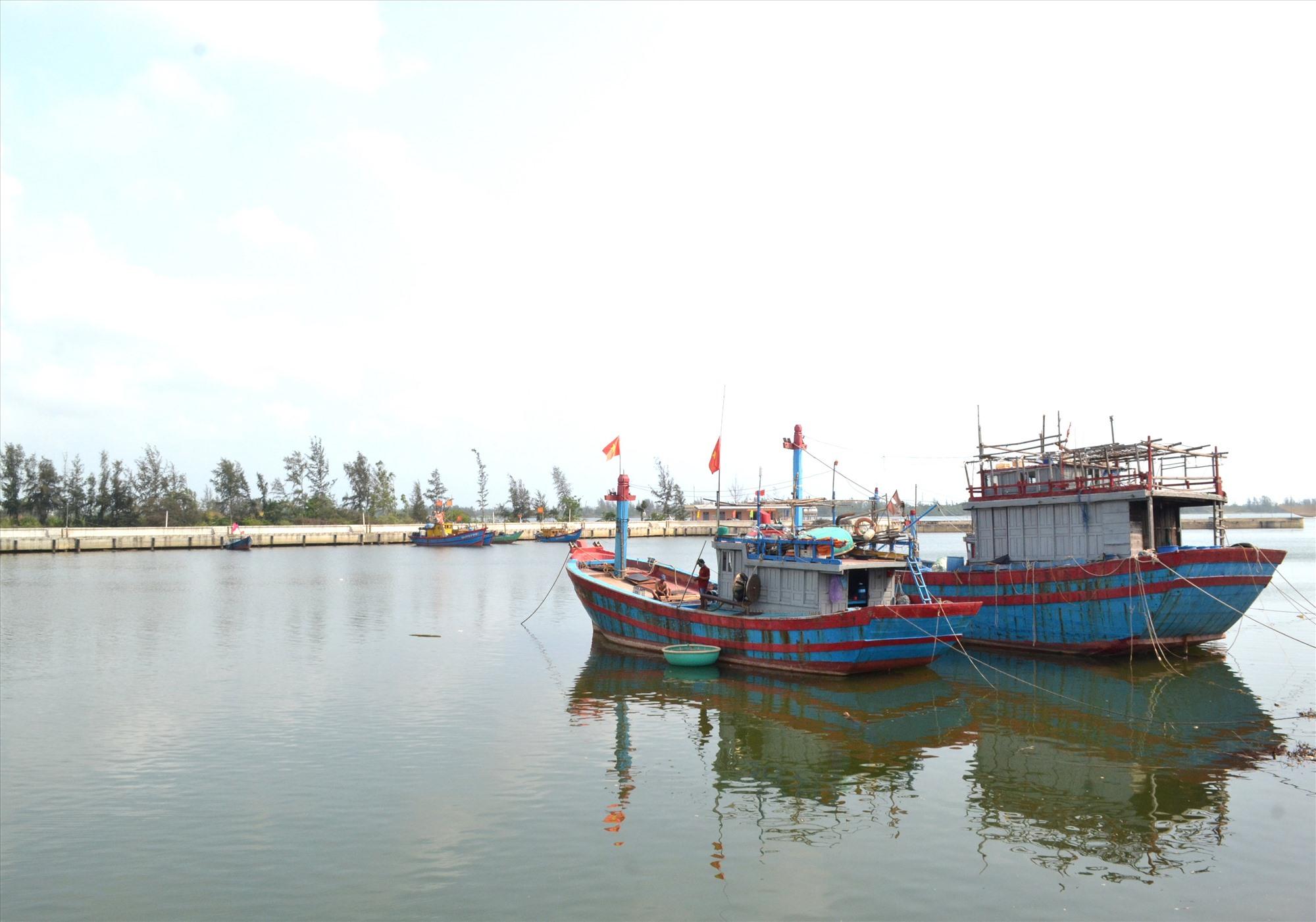 Đầu tư cảng cá kết hợp với khu neo đậu tàu thuyền Hồng Triều sẽ là động lực phát triển bền vững nghề cá. Ảnh: VIỆT NGUYỄN