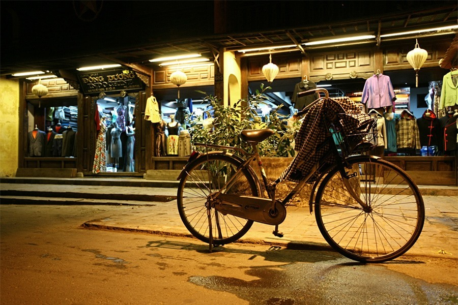 Hoi An is always peaceful at night. Bicycles can be left unlocked on the streets.