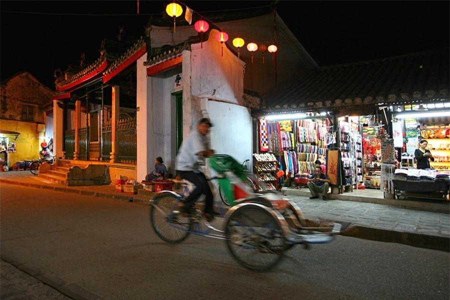 Hoi An at night may be considered a perfect mix of architectural, historical, cultural, and human sounds that are always attractive to visitors.