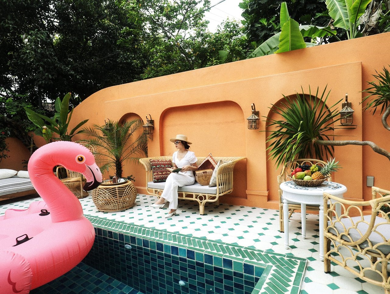The Mansion Hoi An has a green space, suitable for relaxation. Swimming pool is small but designed in impressive style. It is just 3 km form Cua Dai beach. Visitors are provided with very good services, delicious foods and drinks and especially free bikes or motorbikes during the time staying at the resort. Photo: tripadvisor