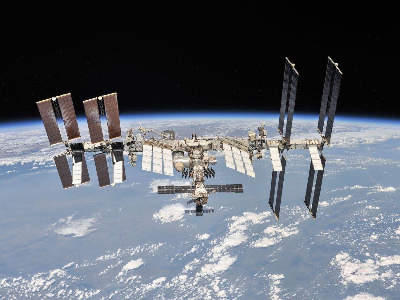 Trạm vũ trụ này đang bắt đầu có dấu hiệu xuống cấp như nhà vệ sinh bị hỏng và rò rỉ không khí. Ảnh: NASA