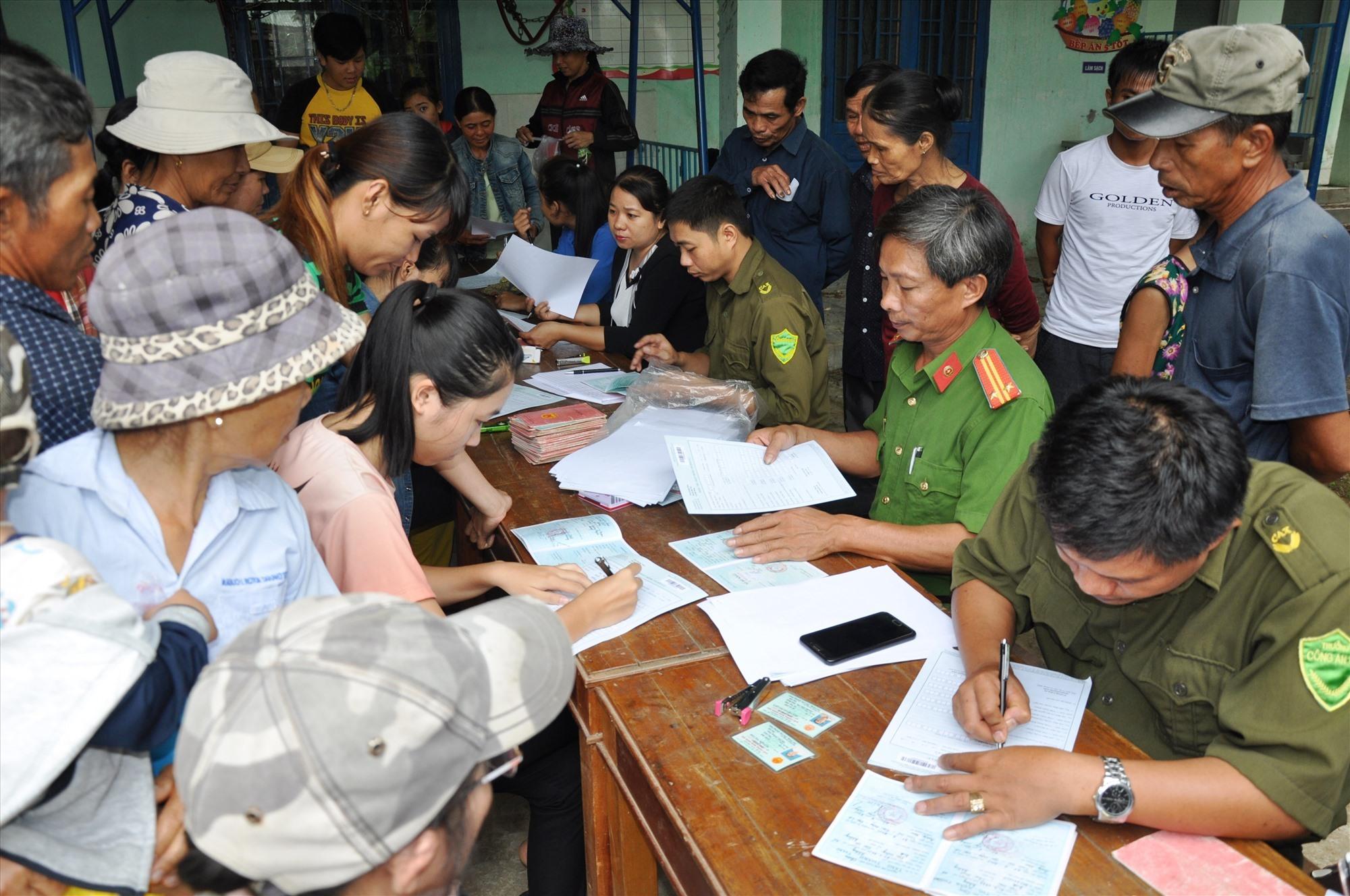 Quảng Nam đã thu thập hơn 1.649 triệu phiếu thu thập thông tin dữ liệu dân cư trong tổng số 1,659 triệu nhân khẩu vào cuối năm 2020. Ảnh: T.C