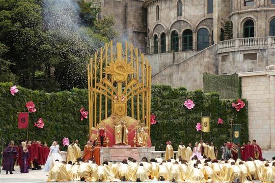 """Show """"The Golden Heart"""" hứa hẹn sẽ tiếp tục chinh phục khán giả trong các ngày lễ sắp đến."""