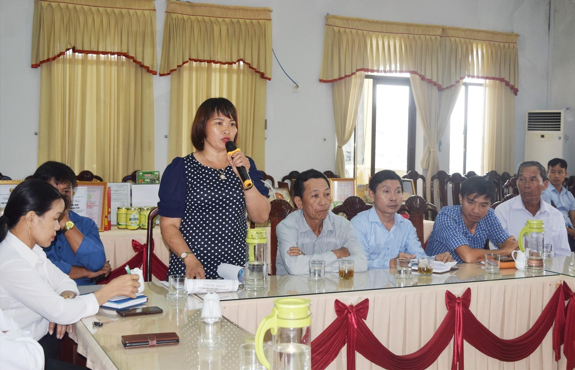 Các chủ thể OCOP, HTX, doanh nghiệp phát biểu tại buổi tọa đàm