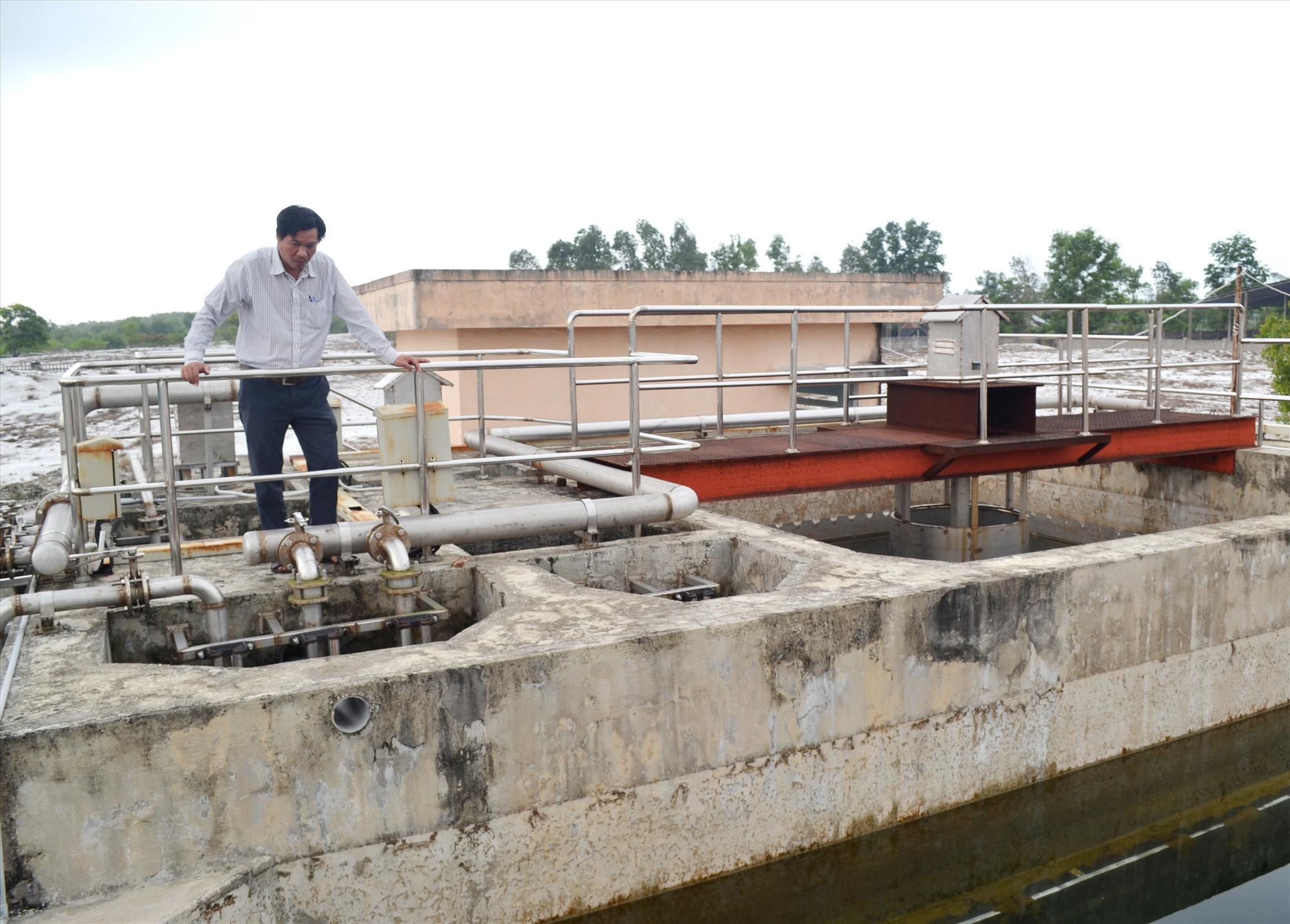 Sở Công Thương đang tham mưu UBND tỉnh xây dựng dự thảo cơ chế đầu tư, phát triển CCN, trong đó chính sách hỗ trợ đầu tư hạ tầng, nhất là đầu tư hệ thống xử lý nước thải, sẽ được cân nhắc phù hợp với thực tế từng CCN. Ảnh: VIỆT NGUYỄN