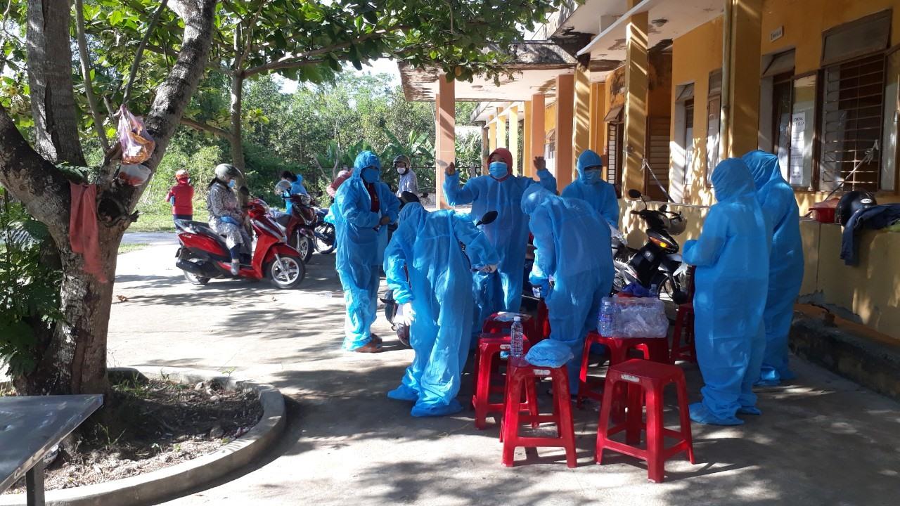 Thần tốc truy vết để kiểm soát dịch bệnh tại Quảng Nam. Ảnh: X.H