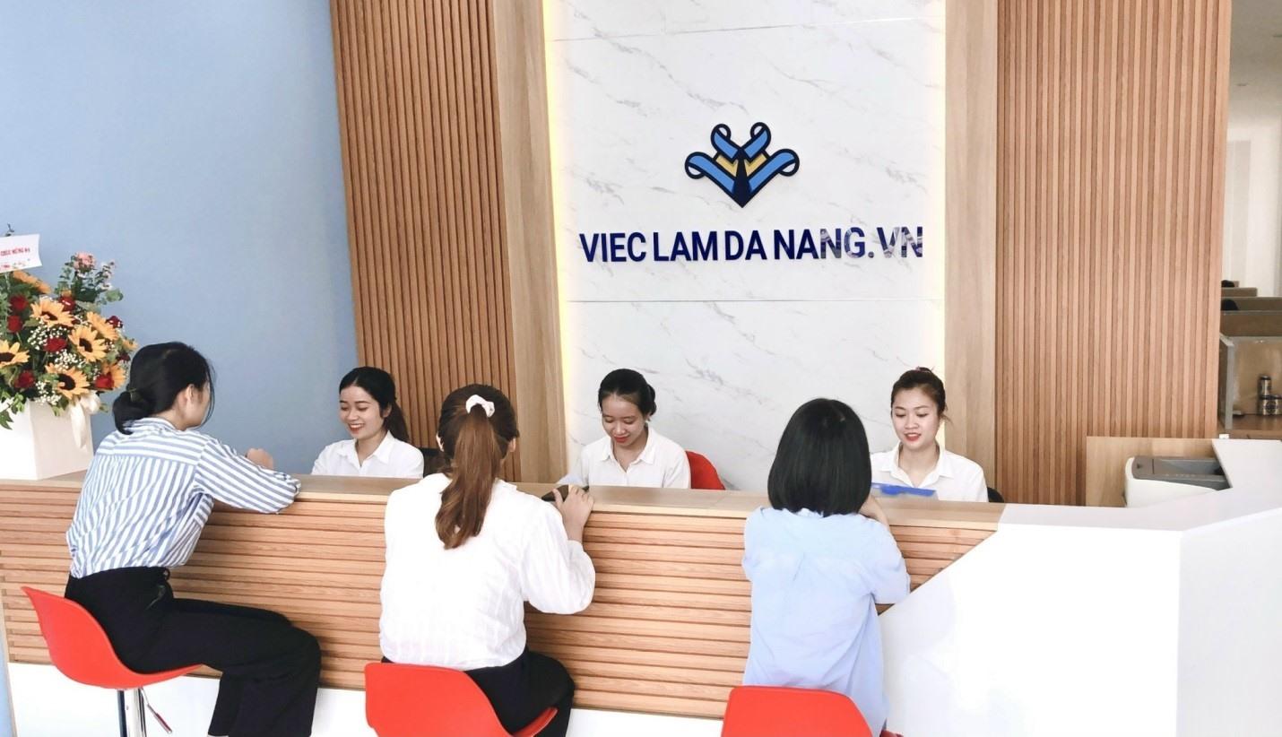 Tư vấn việc làm trực tiếp tại văn phòng của vieclamdanang.vn