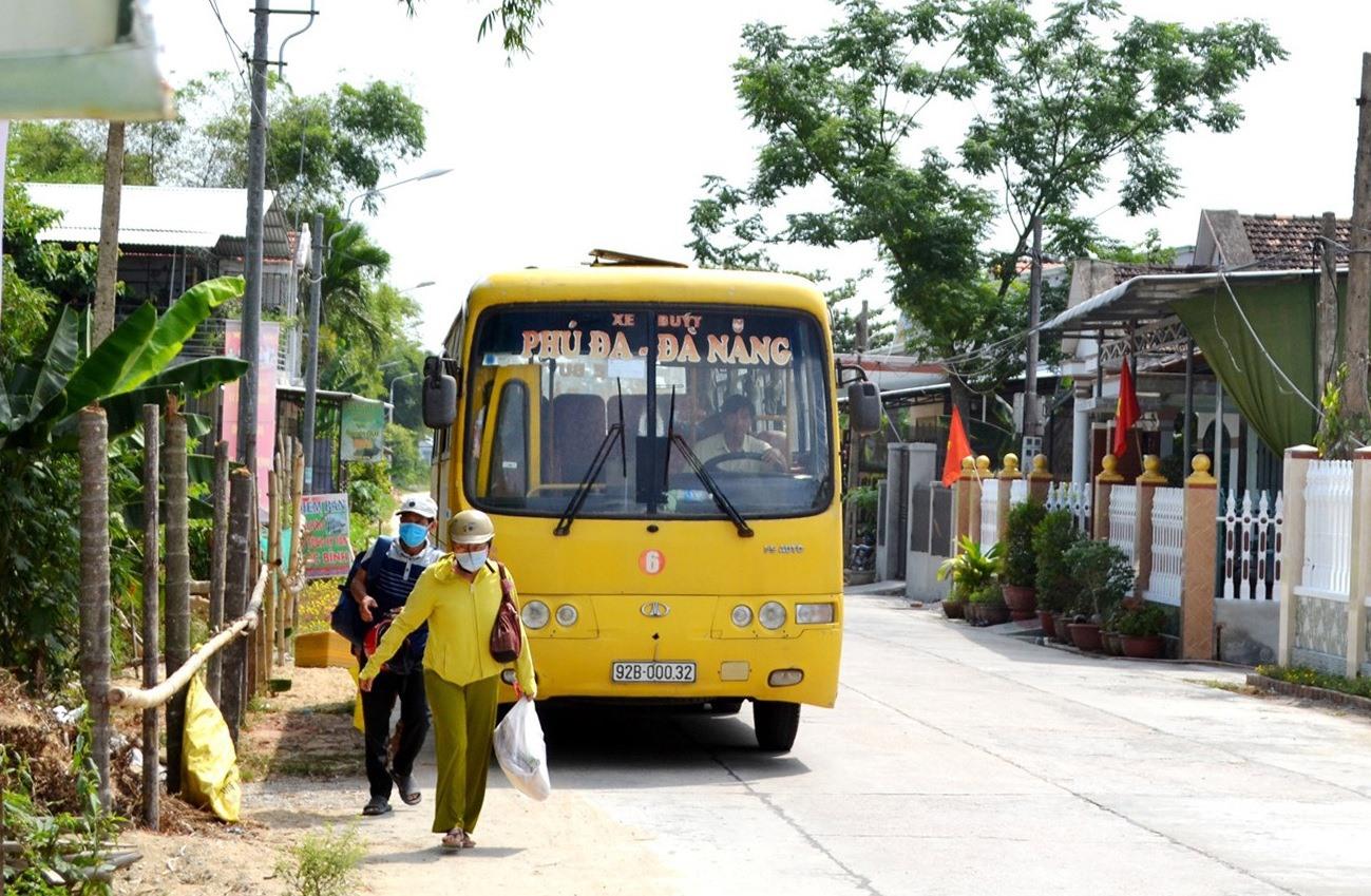 Xe buýt liên tỉnh liền kề của Quảng Nam sẽ tạm dừng vận tải khách đến Đà Nẵng bắt đầu từ ngày 13.5. Ảnh: CT