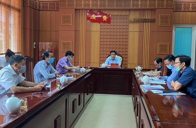 Phó Bí thư Thường trực Tỉnh ủy Lê Văn Dũng chủ trì cuộc họp vào chiều 12.5. Ảnh: H.P
