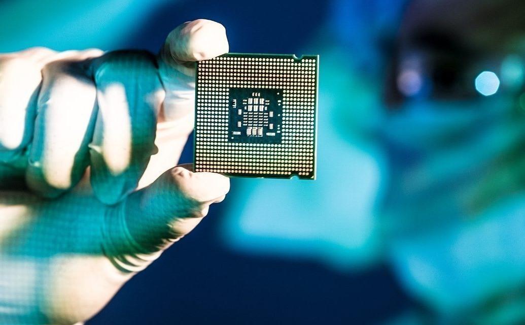 Chip là một trong những linh kiện điện tử quan trọng đối với nhiều ngành sản xuất công nghiệp. Ảnh: venturebeat