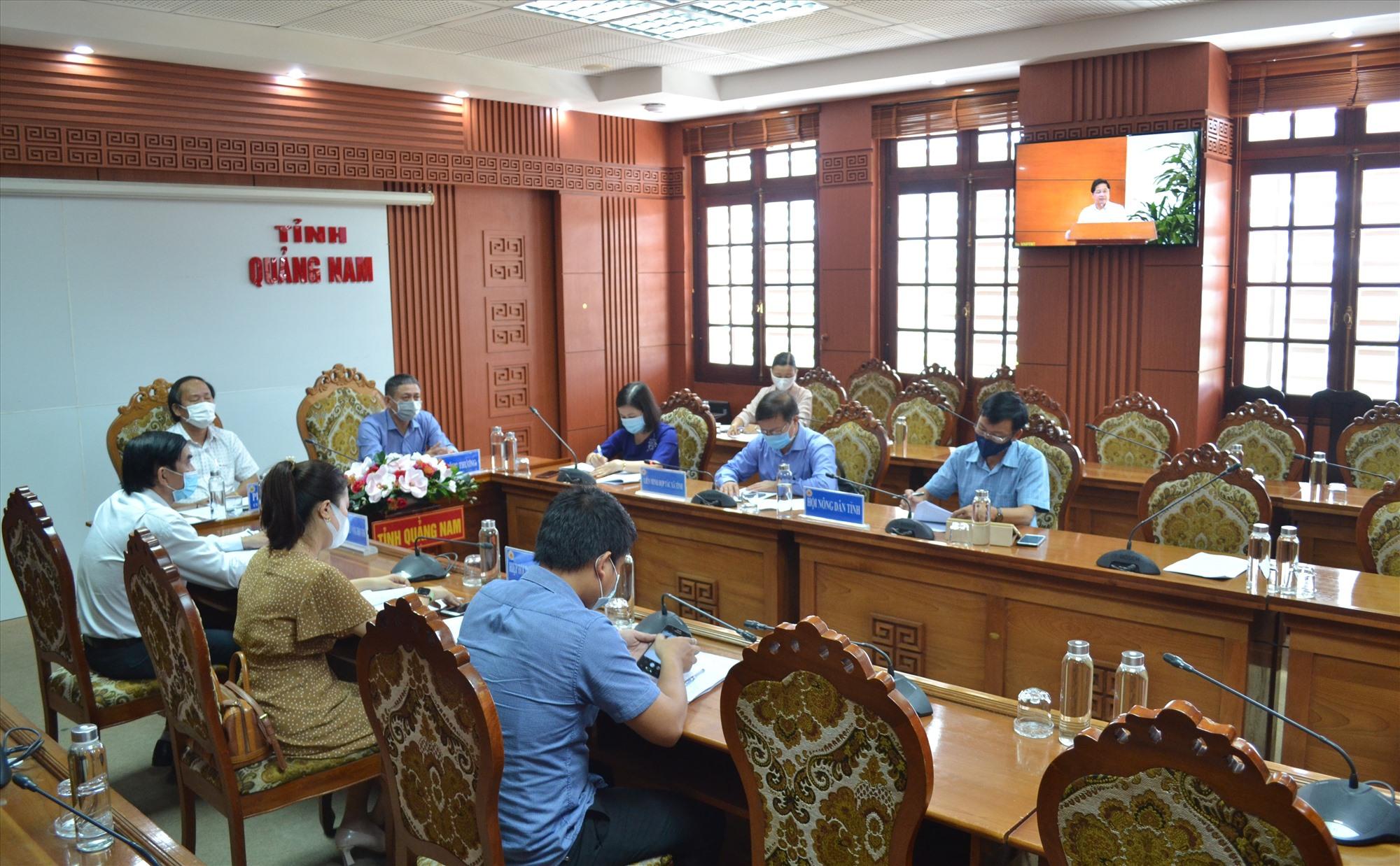 Quang cảnh hội nghị trực tuyến ở đầu cầu Quảng Nam.