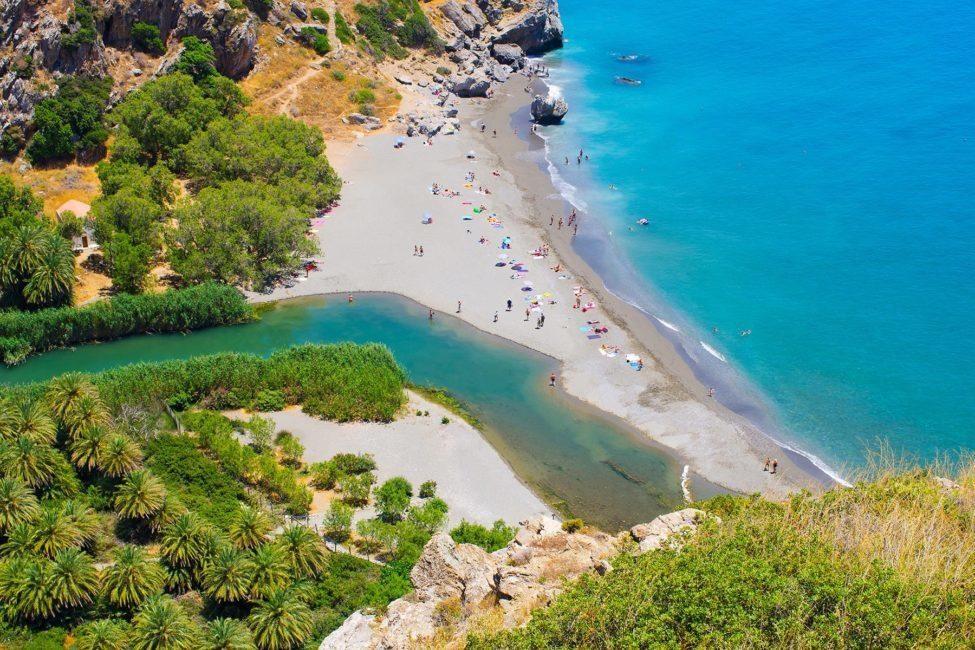 Hy Lạp nổi tiếng với các bãi biển xanh, đẹp. Ảnh: shutterstock