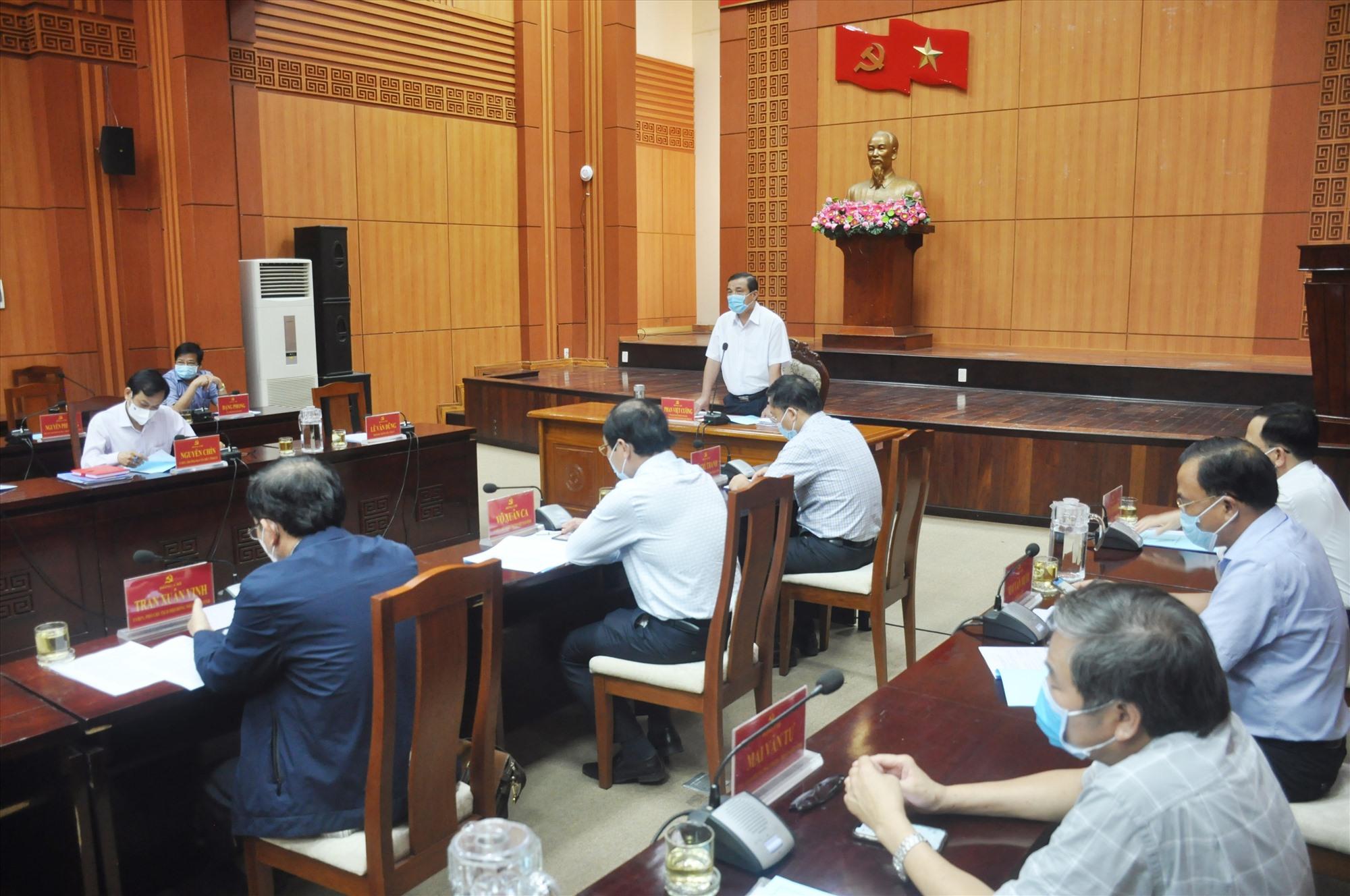 Bí thư Tỉnh ủy, Chủ tịch UBBC tỉnh Phan Việt Cường chủ trì phiên họp thứ 5 của UBBC tỉnh chiều 17.5. Ảnh: N.Đ