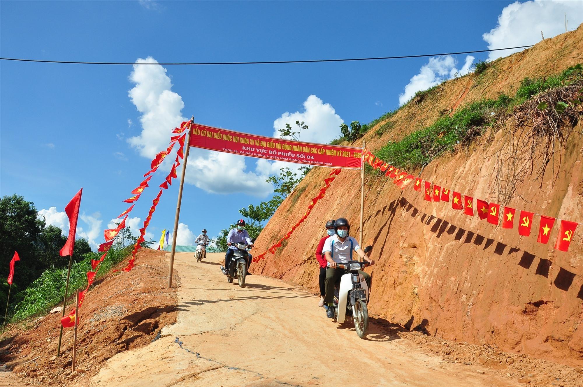 Không khí ngày bầu cử tại các xã biên giới huyện Nam Giang. Ảnh: V.A