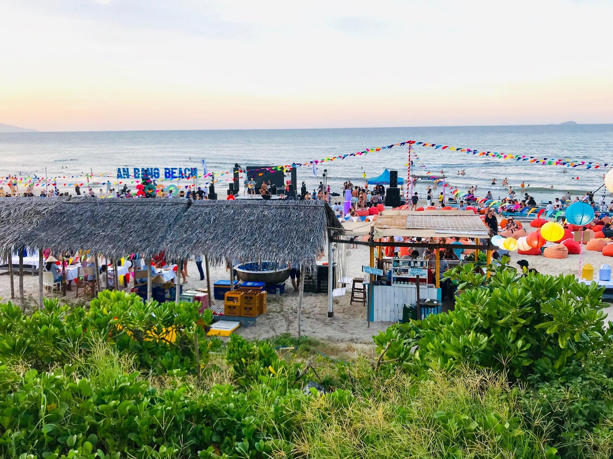 Biển An Bàng trong mùa lễ hội năm 2020. Ảnh: Q.T