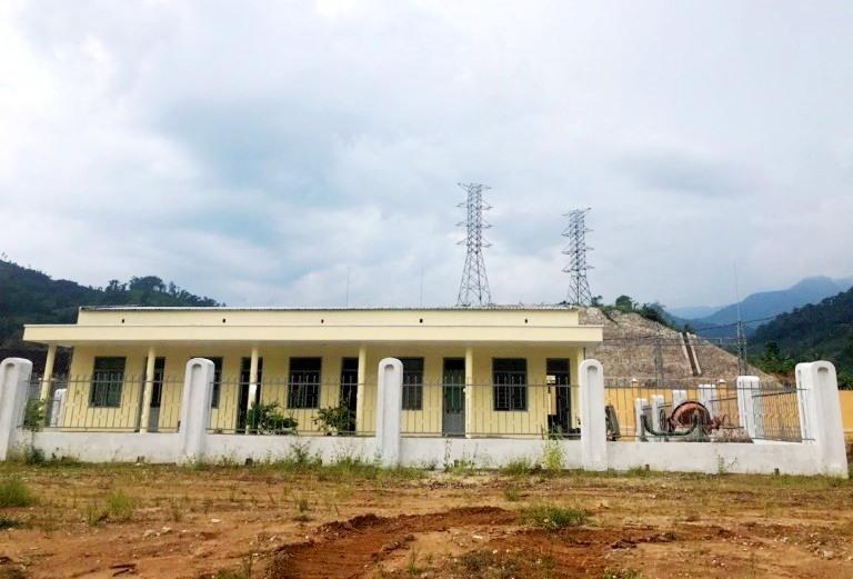 Điện lực Trà My đang thi công để kết lưới nhận điện từ TBA 110kV Nam Trà My.