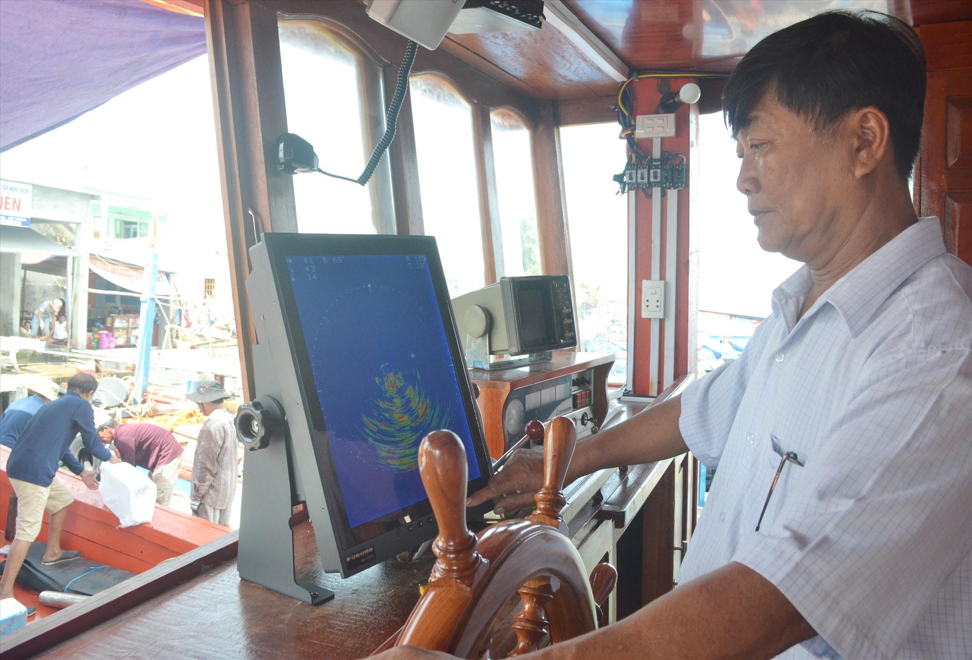 Ứng dụng công nghệ mới đem lại hiệu quả khai thác hải sản trong tỉnh. Ảnh: VIỆT NGUYỄN