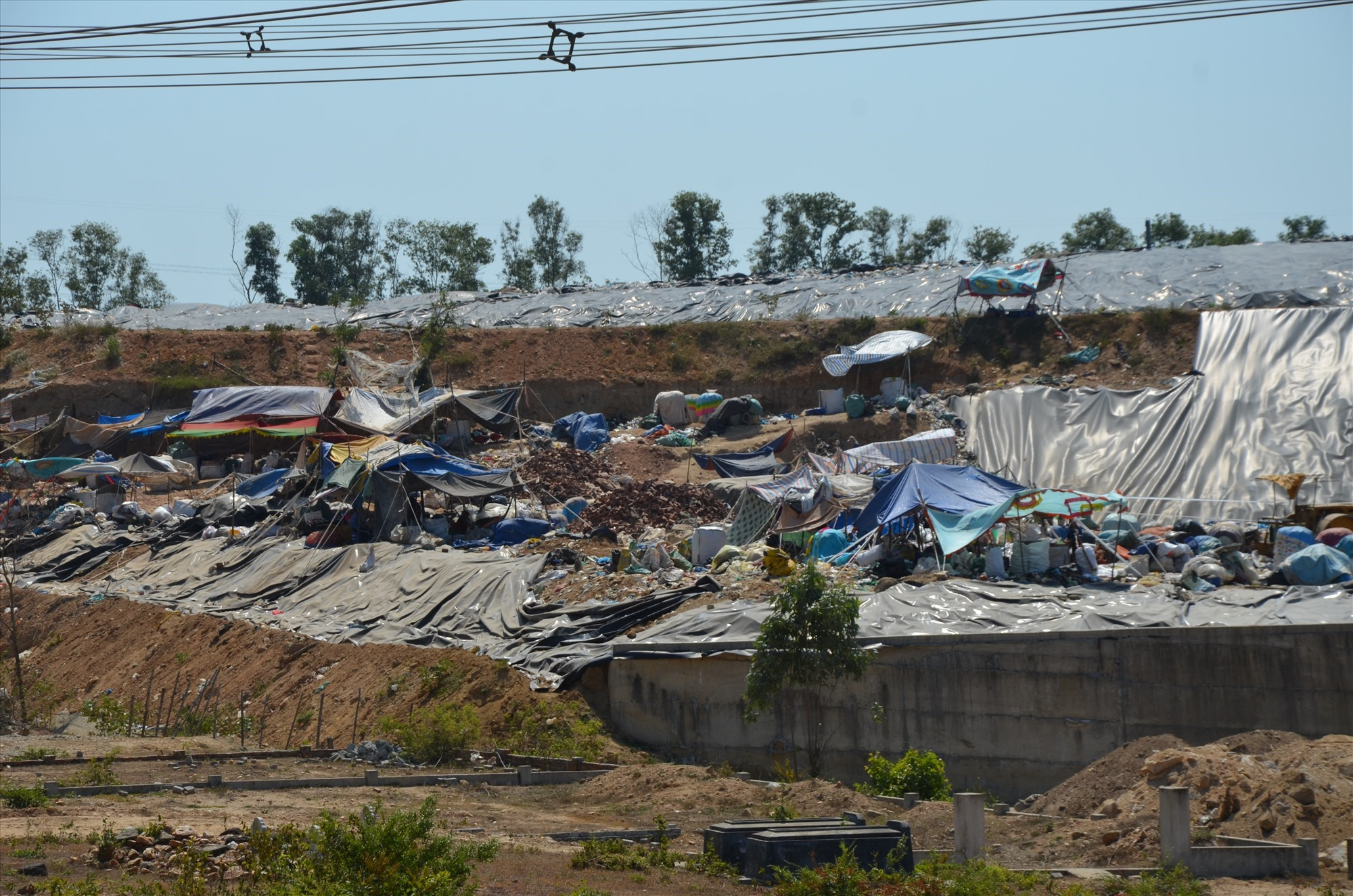 Bãi rác Đại Hiệp đang quá tải, cuối tháng 6.2021 sẽ đóng cửa. Ảnh: H.P