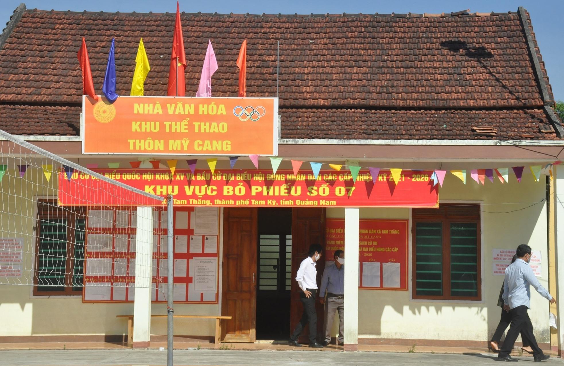 Một khu vực bỏ phiếu của xã Tam Thăng (TP.Tam Kỳ). Ảnh: N.Đ