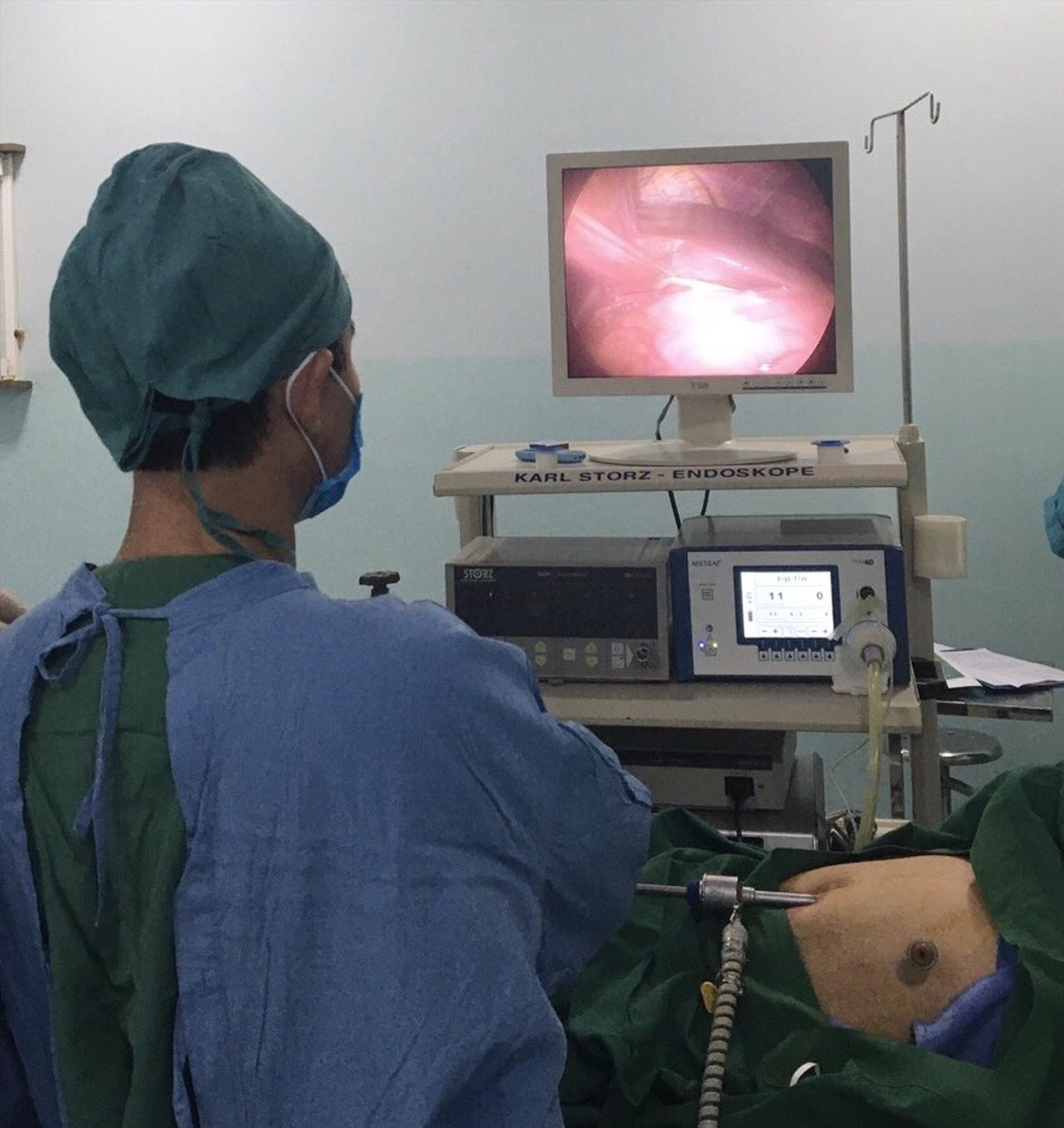 Bệnh nhân được phẫu thuật bằng phương pháp nội soi. Ảnh: P.C