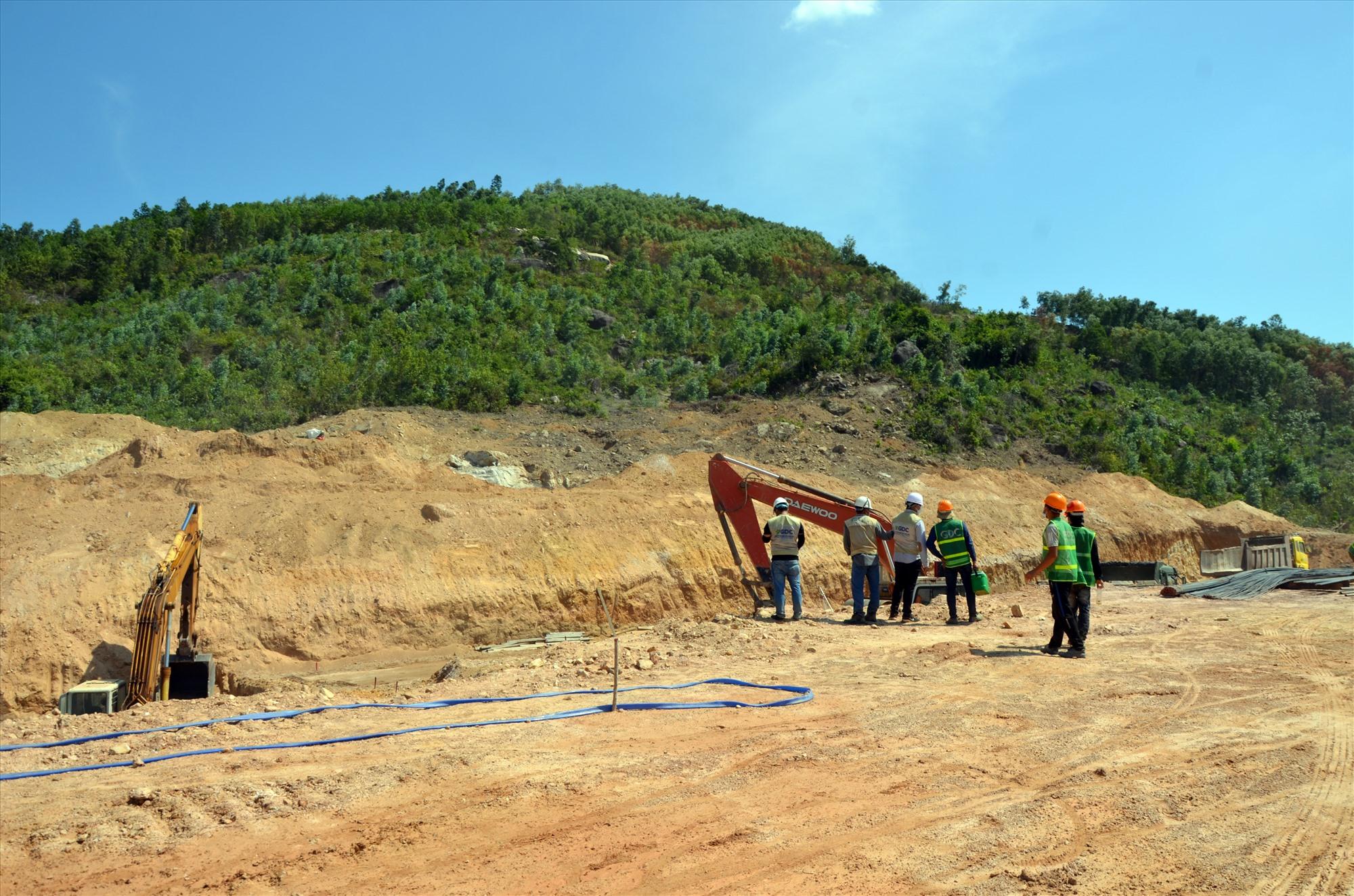 Địa điểm thi công dự án Nhà máy xử lý rác Bắc Quảng Nam tại thôn Hòa An, thị trấn Ái nghĩa. Ảnh: H.P