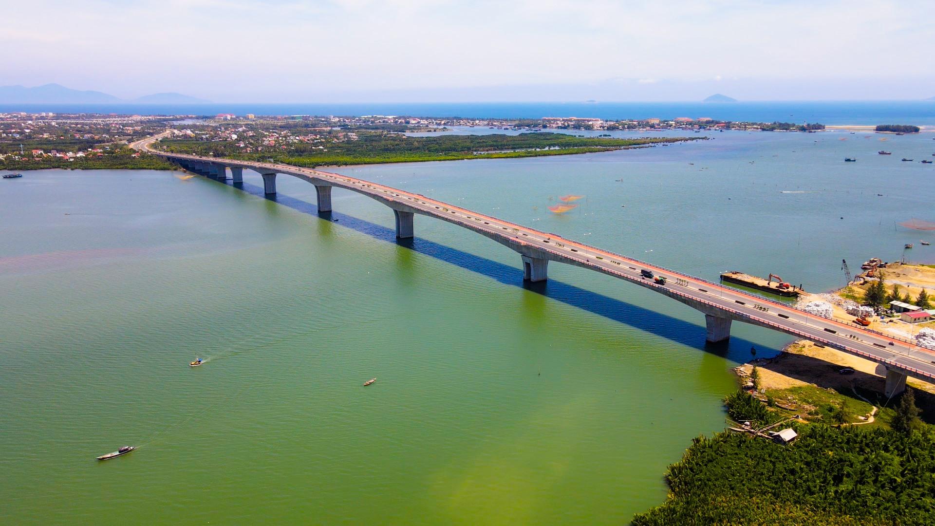 Cầu Cửa Đại đã đem lại sức sống mới cho đất và người vùng Đông Quảng Nam