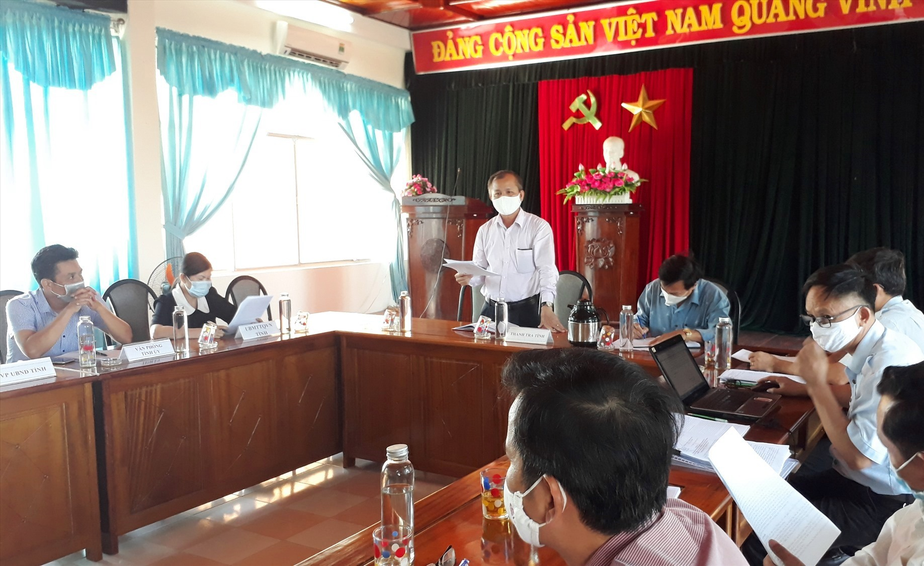 Chánh Thanh tra tỉnh Nguyễn Đức Tiến chủ trì buổi đối thoại. Ảnh: X.P