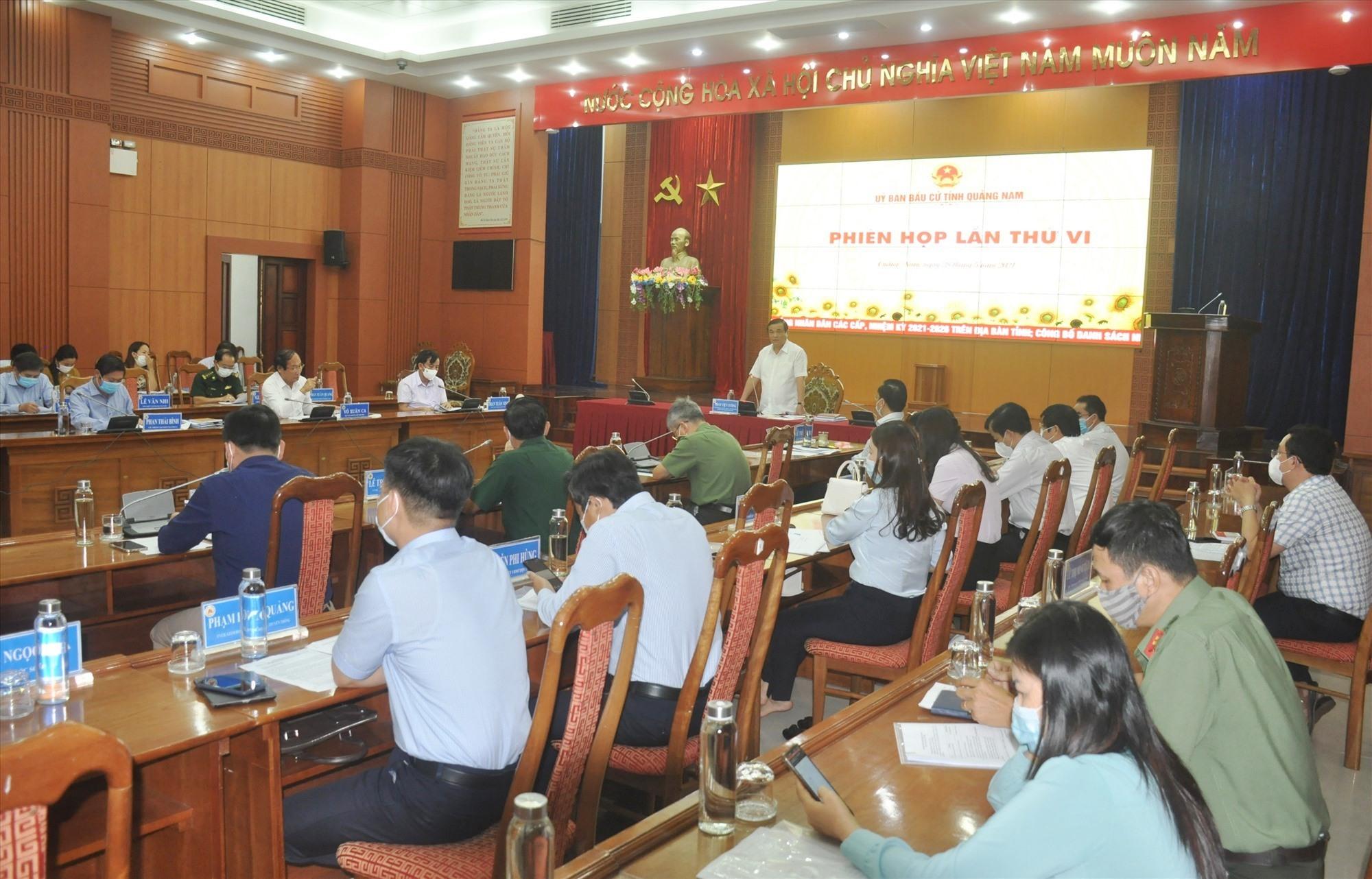 Bí thư Tỉnh ủy, Chủ tịch UBBC tỉnh chủ trì phiên họp của UBBC tỉnh sáng nay 28.5. Ảnh: N.Đ