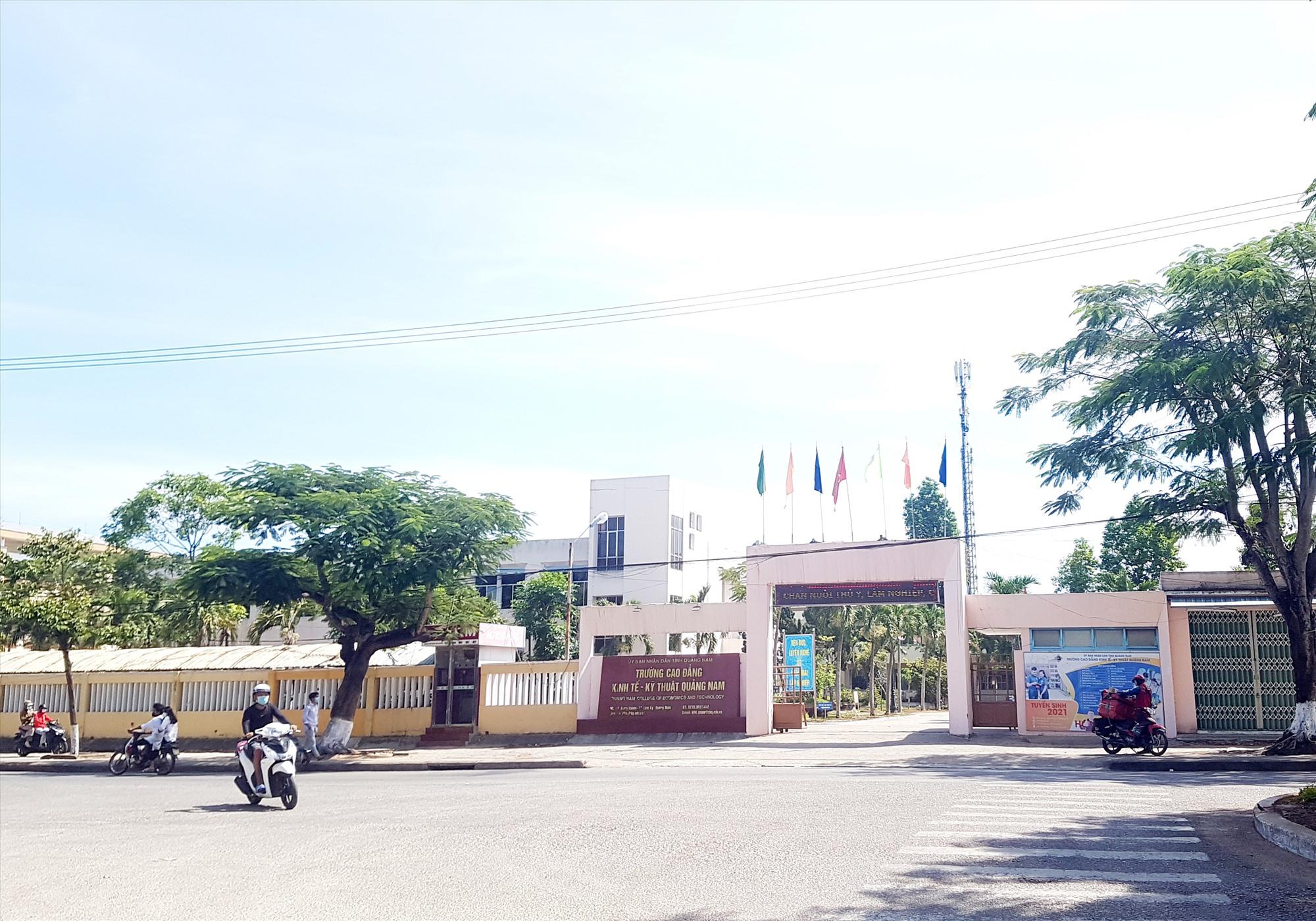 Trụ sở chính của Trường Cao đẳng Quảng Nam là cơ sở của Trường Cao đẳng Kinh tế - kỹ thuật hiện nay. Ảnh: D.L