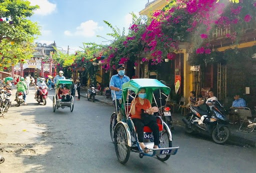 Visitors in Hoi An ancient town