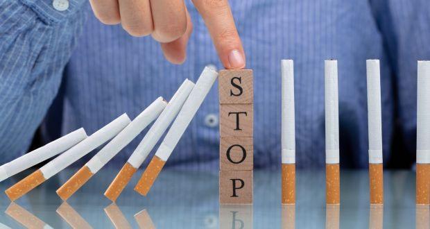 WHO kêu gọi mọi người cam kết bỏ thuốc lá, cải thiện sức khỏe. Ảnh: irishtimes-