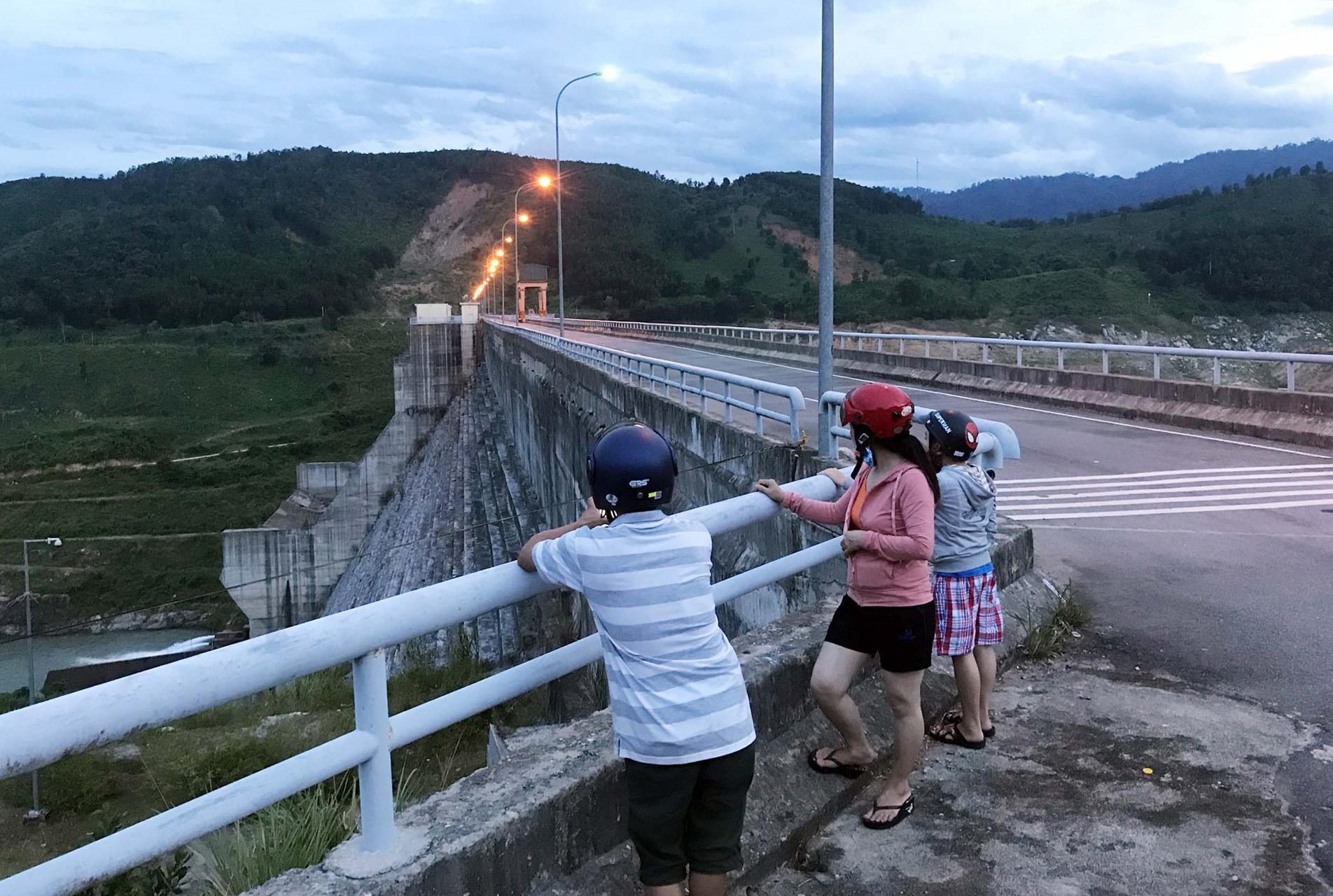 Chạng vạng tối ngày 30.5, tái xuất hiện động đất mạnh 2.6 độ richter tại khu vực thủy điện Sông Tranh 2, huyện Bắc Trà My.