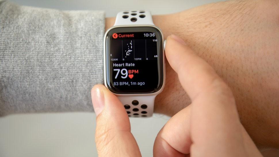 Apple Watch liên tiếp bổ sung các tính năng quan trọng liên quan đến sức khỏe như đo nhịp tim. Ảnh: komando.com