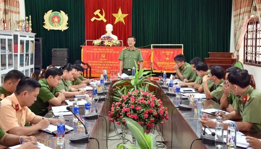 Đoàn công tác làm việc với cán bộ chủ chốt Công an huyện Đại Lộc.