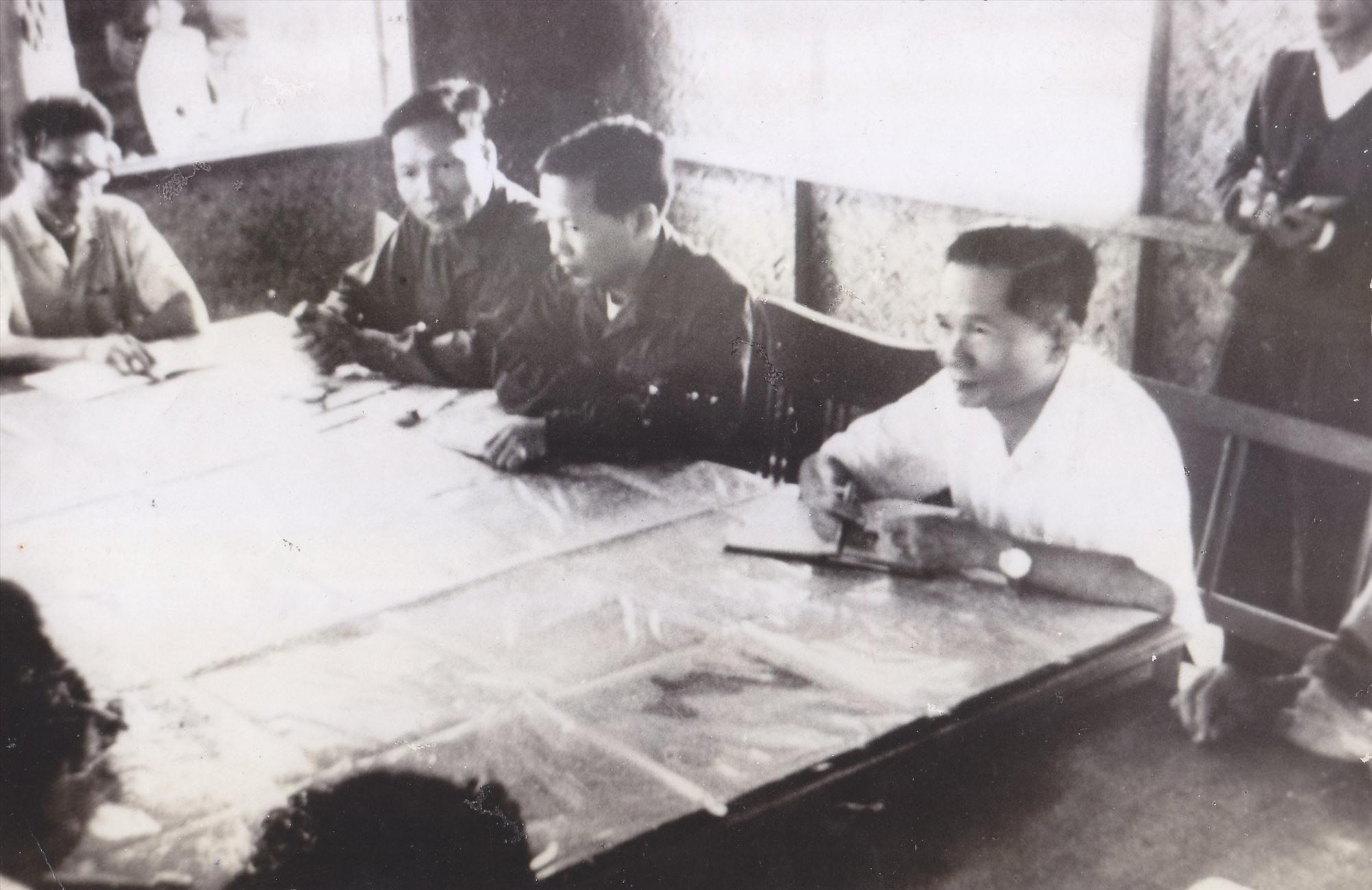 Đặc Khu ủy Quảng Đà họp thông qua kế hoạch giải phóng Đà Nẵng (24-3-1975).