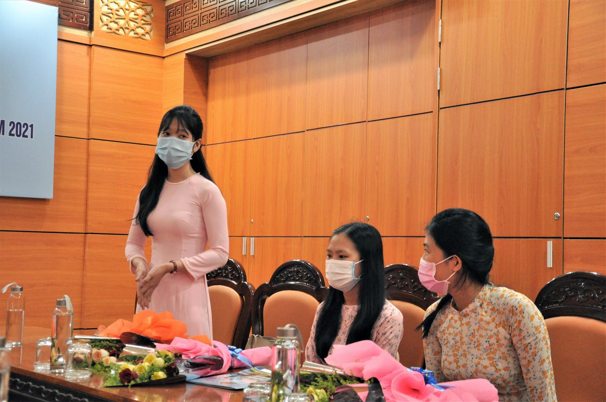 Cách tuyển dụng của Quảng Nam đã thu hút các sinh viên xuất sắc của các tỉnh. Ảnh: X.P