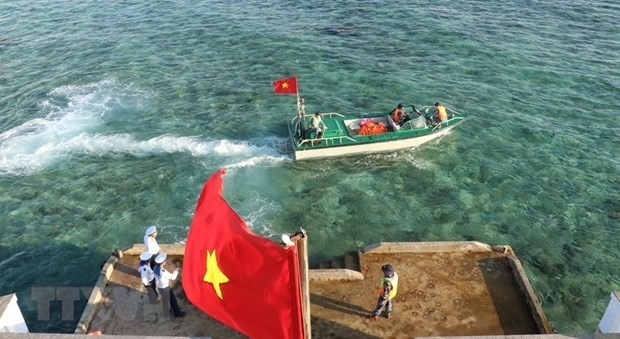 Vietnamese agencies always keep a close watch on all activities in the Hoang Sa (Paracel) and Truong Sa (Spratly) archipelagos as well as Vietnam's territorial waters in the East Sea. (Illustrative photo: VNA)