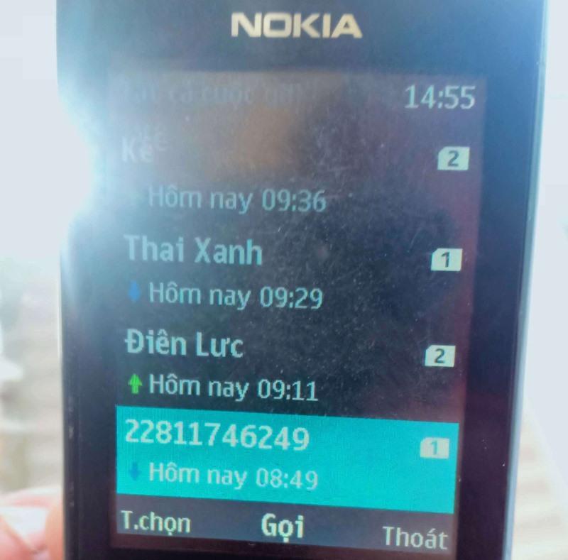 Ảnh chụp màn hình số điện thoại lạ giả danh gọi điện cho khách hàng thu tiền điện