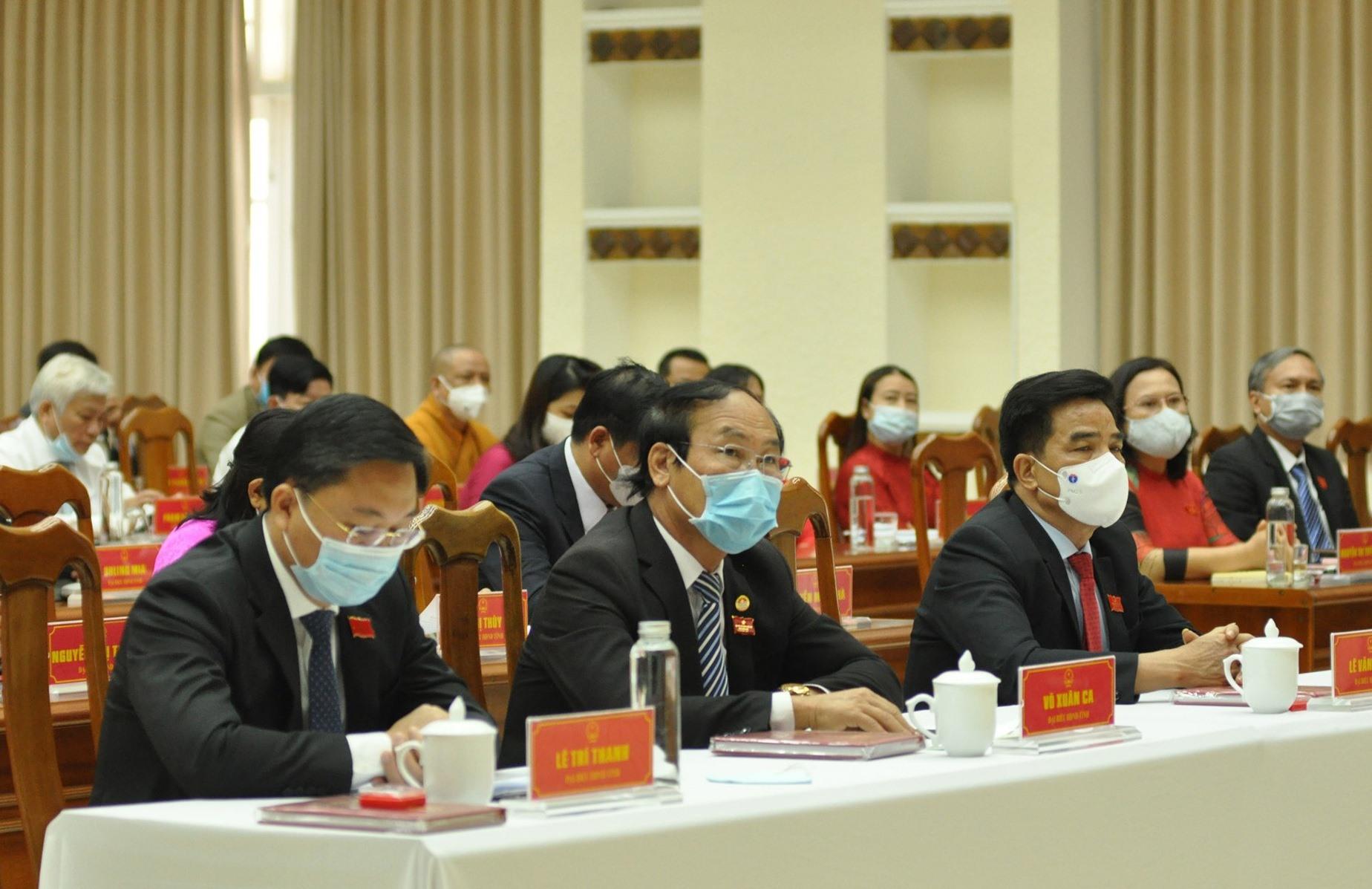 Các đại biểu HĐND khóa X dự Kỳ họp thứ nhất. Ảnh: P.Đ