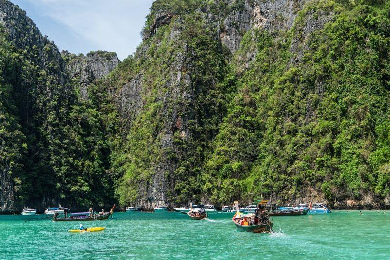 Thiên đường du lịch Phuket, Thái Lan từng đón rất nhiều khách quốc tế trước đại dịch Covid-19. Ảnh: travelandynews