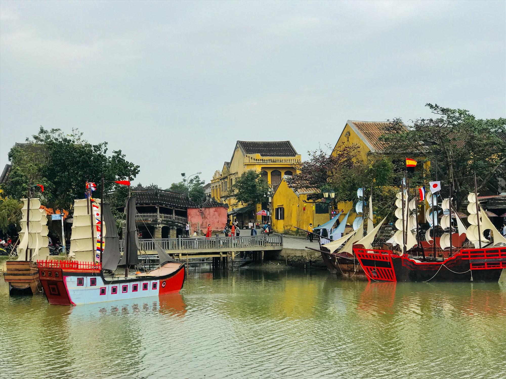 Cảng thị Hội An trong quá khứ từng là nơi giao thương nhộn nhịp với thuyền buôn quốc tế. Ảnh: Q.T