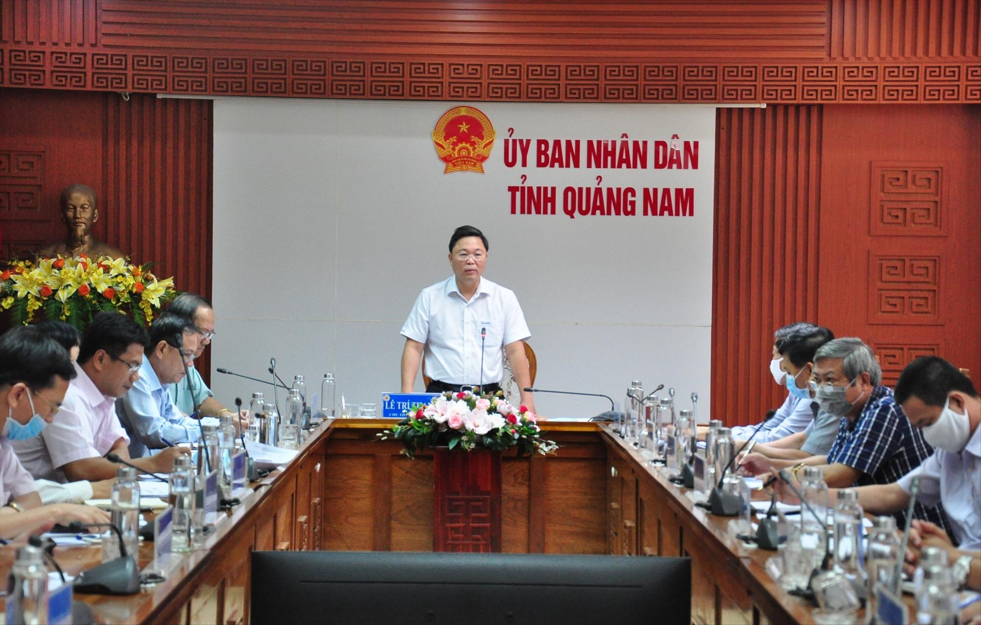Chủ tịch UBND tỉnh Lê Trí Thanh phát biểu chỉ đạo tại cuộc họp diễn ra hôm nay 18.6.  Ảnh: S.A