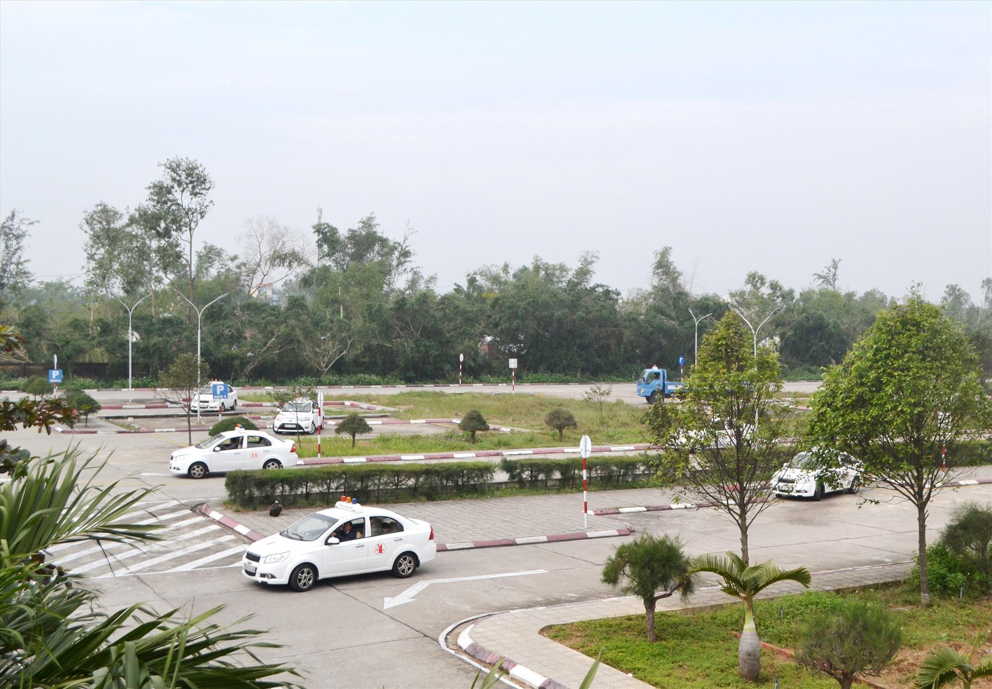 Trung tâm sát hạch lái xe Quảng Nam (đóng tại Thăng Bình) là địa điểm được Sở GTVT chọn tổ chức nhiều khóa sát hạch lái xe. Ảnh: C.T