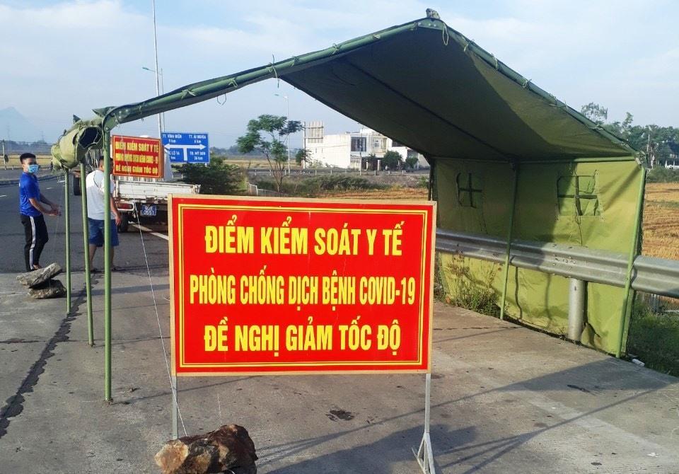 Thành lập lại các chốt chặn ở khu vực giáp ranh giữa Quảng Nam và TP. Đà Nẵng. Ảnh: C.Đ