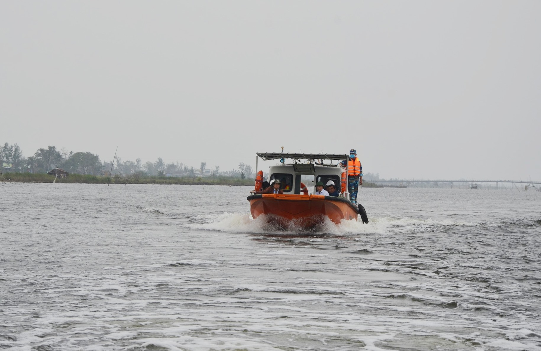 Sông Trường Giang đoạn qua xã Bình Nam (Thăng Bình). Ảnh: H.P